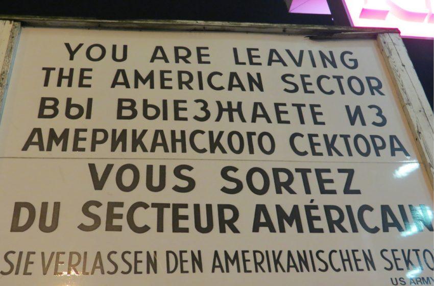 Checkpoint Charlie – Ort der Hoffnung und der Tragödie