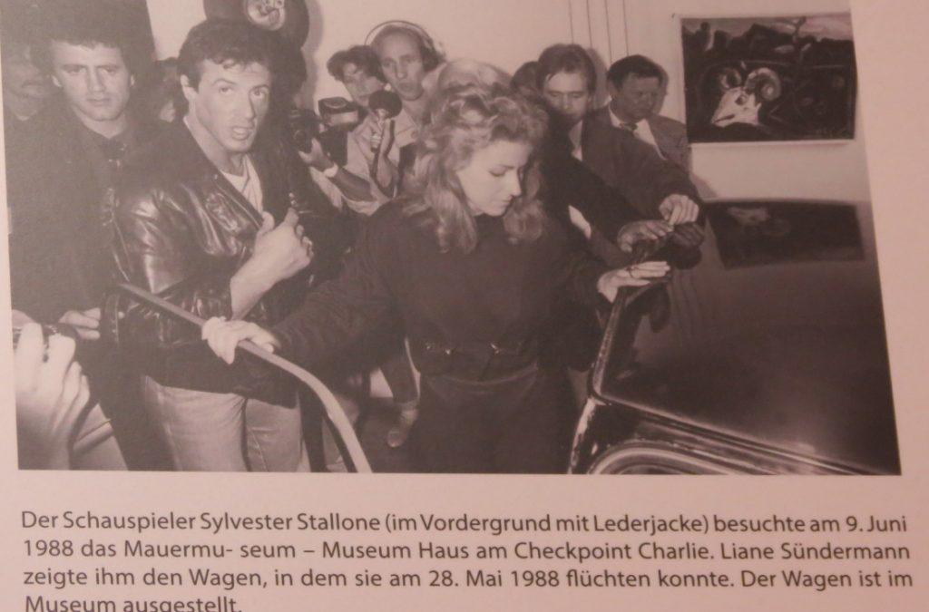 Checkpoint Charlie und Mauermuseum Berlin Deutschland
